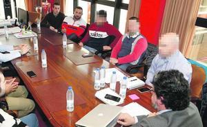 Ultras con orden de alejamiento de El Molinón lograron participar en actividades del Sporting