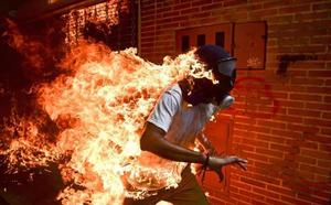 El venezolano Ronaldo Schemidt gana el premio World Press Photo