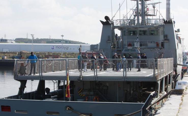 Puertas abiertas para ver el patrullero de la Armada Española 'Arnomendi' en Avilés
