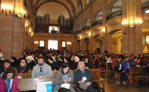 El centenario de Covadonga reúne a más de 400 jóvenes en Cangas