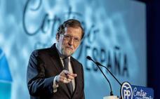 Rajoy compromete cien millones y un año más de tarifa plana para combatir la despoblación