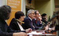 El claustro de la Universidad de Oviedo aprueba actuar contra los símbolos franquistas