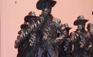 Dos años y medio por una estatua