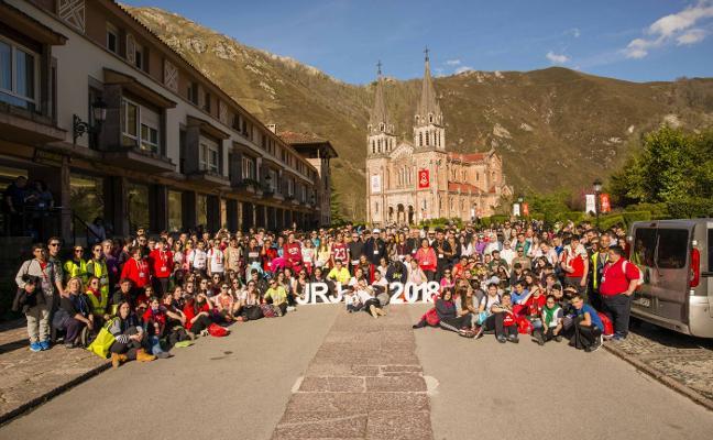Cuatrocientos jóvenes de Asturias, León y Cantabria se ganan el jubileo