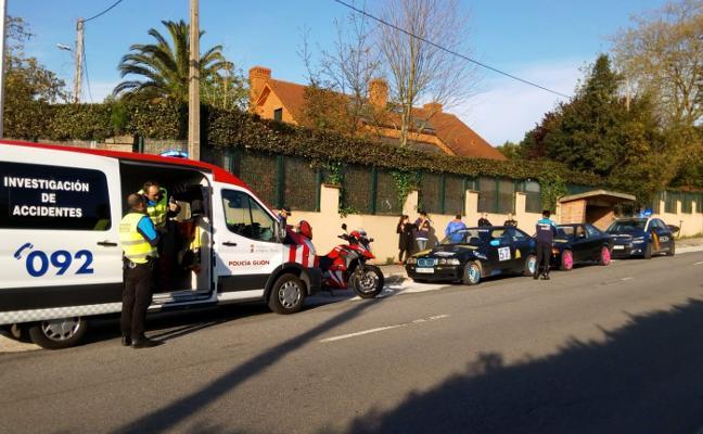 La Policía impide una carrera ilegal en la carretera Piles-Infanzón