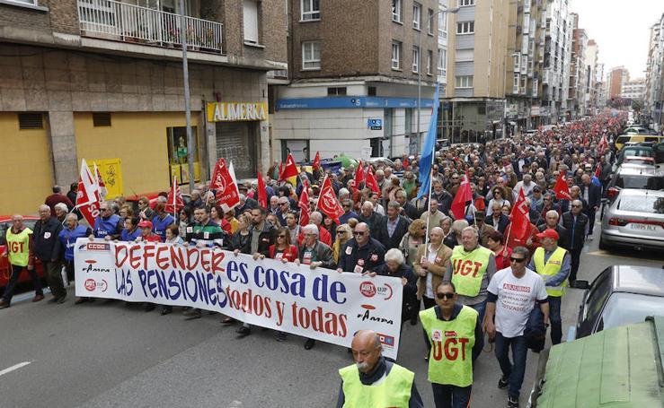 Los pensionistas salen de nuevo a la calle en Gijón
