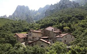 Encuentran el cadáver de un montañero de Gijón que desapareció mientras hacía una ruta por Peñamellera Baja