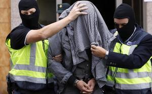 Piden trece años de cárcel para el yihadista que fue contactado en Gijón por un agente encubierto