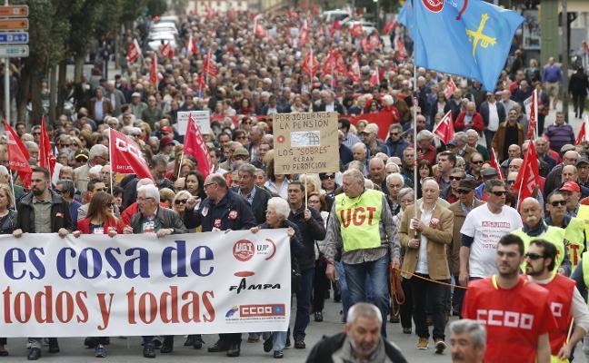 Masiva movilización en Asturias por unas pensiones «dignas»