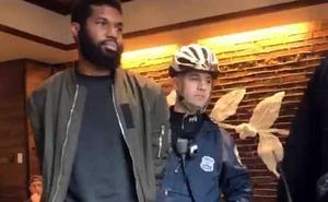 Detenidos por estar en una cafetería sin consumir nada
