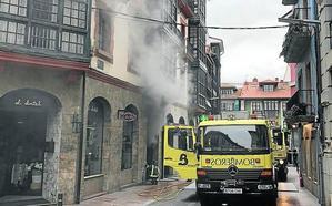 Incendio en el centro de Llanes