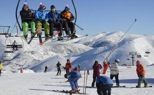Las estaciones asturianas de esquí cierran la temporada con más de 80.000 usuarios que el año anterior
