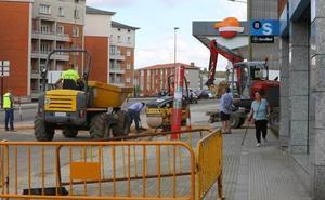 Llaranes, La Espina, El Pozón, La Rocica y Villalegre sufren mañana cortes de agua por las obras de Santa Apolonia