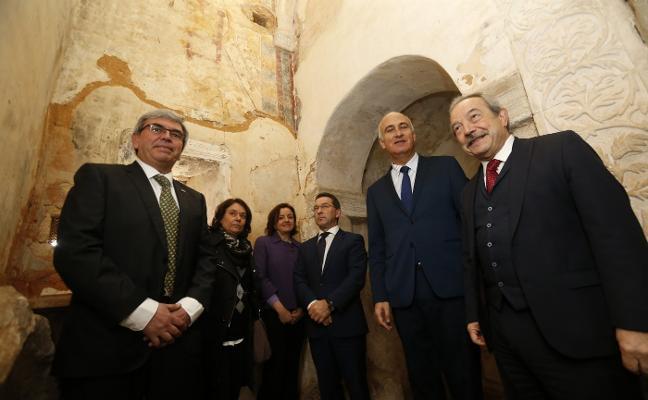 La restauración de las pinturas de San Miguel de Lillo arrancará en mayo