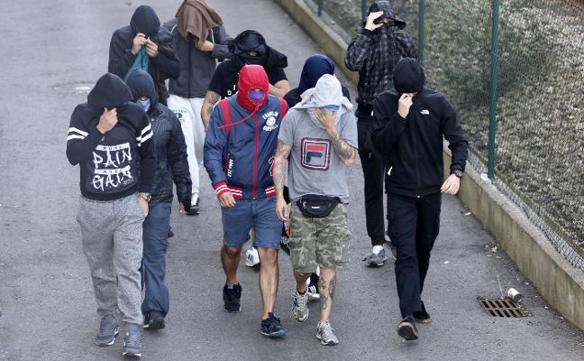 El Ayuntamiento de Gijón, el Sporting y las peñas se reúnen para atajar la violencia