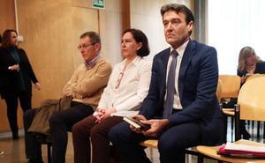 Funcionarios municipales de Oviedo dicen que las órdenes en Urbanismo se dan «de palabra o con post-its»