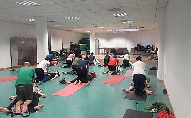 Taller de yoga y masaje tailandés