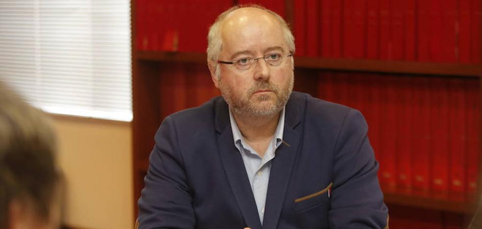 Piden la dimisión del decano de Economía por su «pésima gestión del presupuesto»