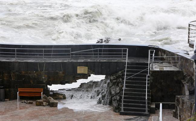 142.000 euros para la reparación de emergencia del puerto viejo de Cudillero