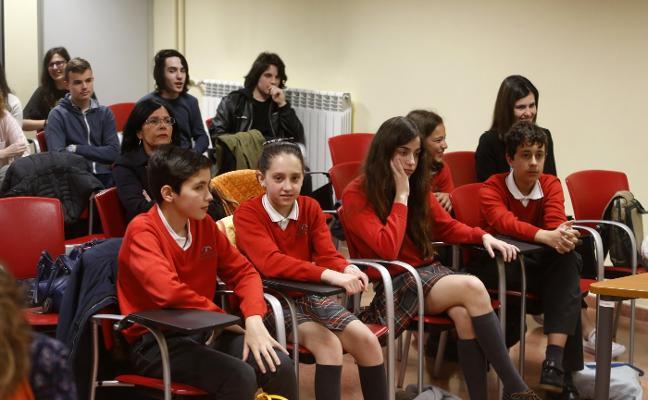 El Corazón de María gana la final de la zona Oviedo de la I Liga de Debate Escolar