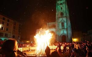 La plaza de la Catedral volverá a acoger a la hoguera de San Juan