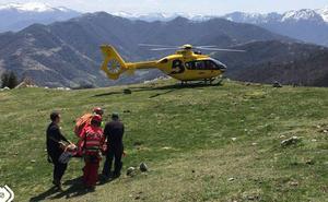 Herido un parapentista tras caer desde unos 50 metros en Riosa