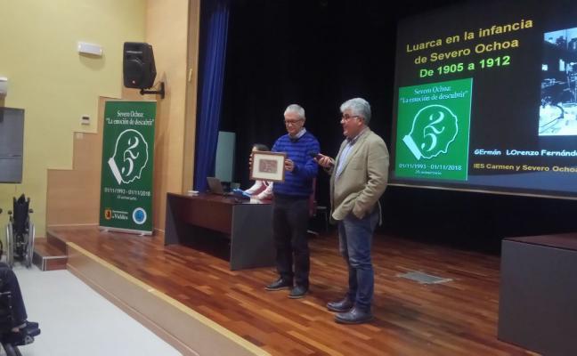 El IES de Luarca muestra cómo era la villa en la infancia de Severo Ochoa