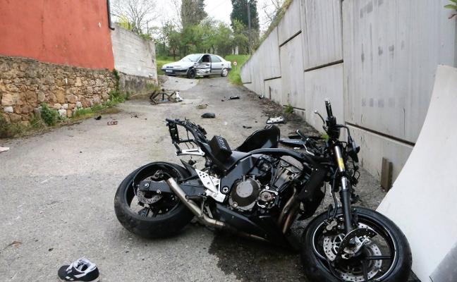 Fallece un vecino de la Pola al chocar con su moto contra un coche en Viella
