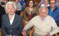 El centro social de Lada homenajea a Alejandro Herrero y Silvina Álvarez