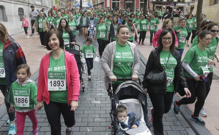 Casi 4.000 corredores se suman a la lucha contra el cáncer en Oviedo