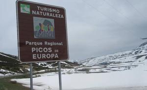Un cartel 'amplía' Picos de Europa hasta San Isidro