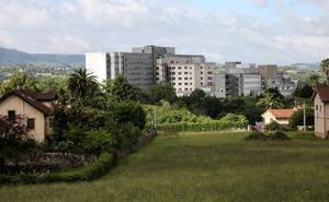 Fallece un hombre tras precipitarse desde una ventana de la octava planta del Hospital de Cabueñes