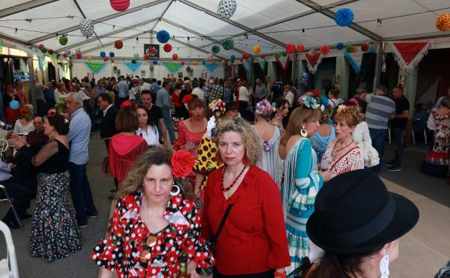 Éxito de público en la segunda feria andaluza organizada en Riosa