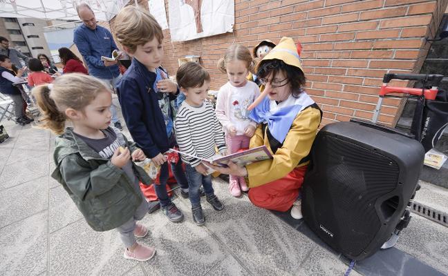 La plataforma SOS Viejo HUCA reclama una biblioteca para El Cristo y Buenavista