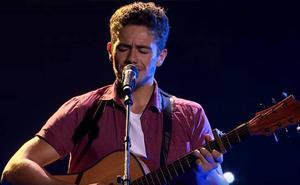El nieto de una asturiana entra en 'La Voz Australia' cantando el himno de Asturias