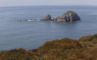 Aparece el cadáver de un hombre flotando en el entorno del Cabo Peñas