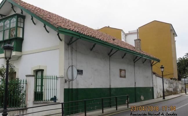 Finalizan las obras de reparación del alero del chalé de Albo en Candás