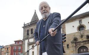 La ciudad hace de oro a sus patinadoras de hockey y adopta al fundador de Siloé