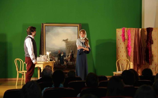 Función de teatro en el instituto de Llanes
