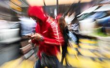 Detenidos tras sustraer doce teléfonos móviles en locales nocturnos de Oviedo