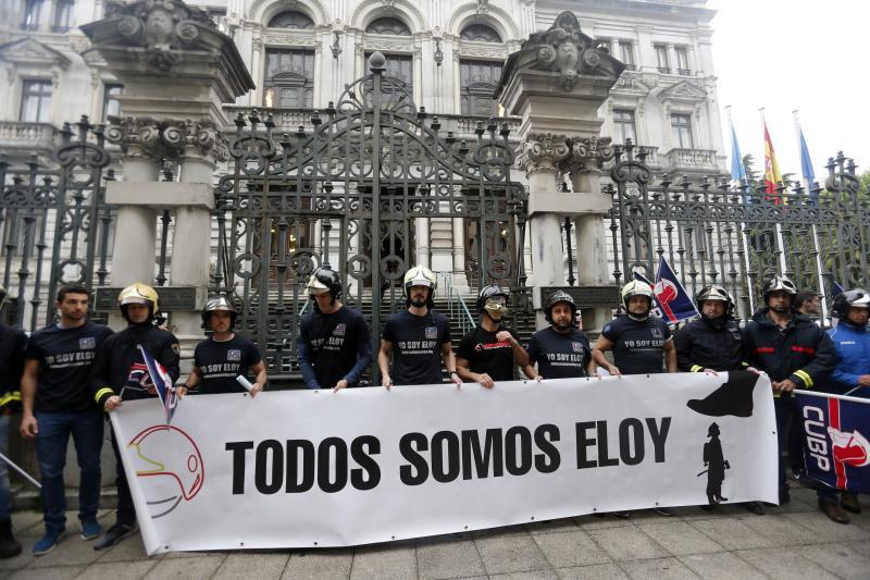 Los bomberos llevan sus protestas ante la Junta