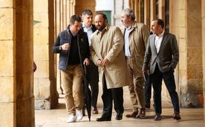 El Ayuntamiento encarga una tasación de la marca del Real Oviedo para revenderla al club