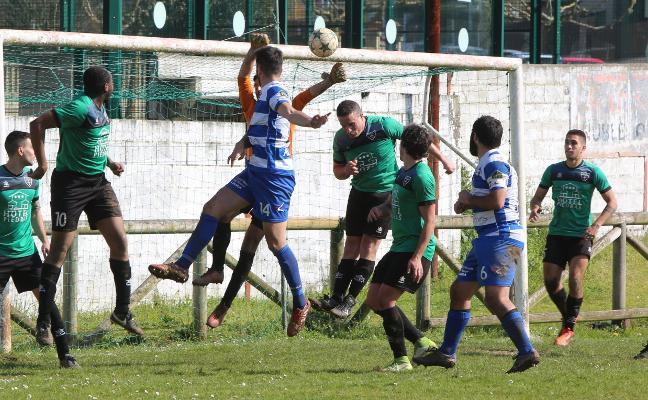 El Pleno aprueba invertir más de un millón de euros en el campo de fútbol de Ferrota