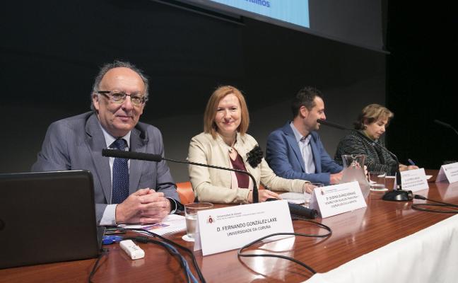 González Laxe: «Es más importante para la economía un contenedor que el AVE»