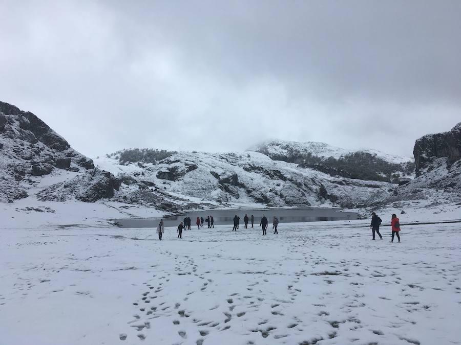 Los Lagos, cubiertos de nieve a las puertas de mayo