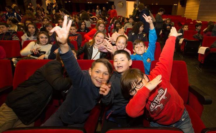 Los escolinos llenan la Casa de Cultura