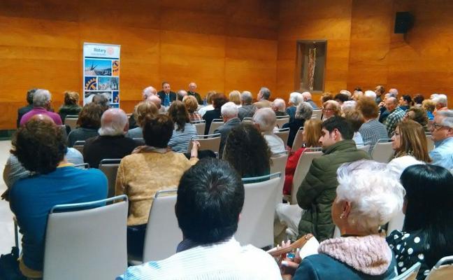 Ramón Baragaño charla sobre los Vaqueiros de Alzada