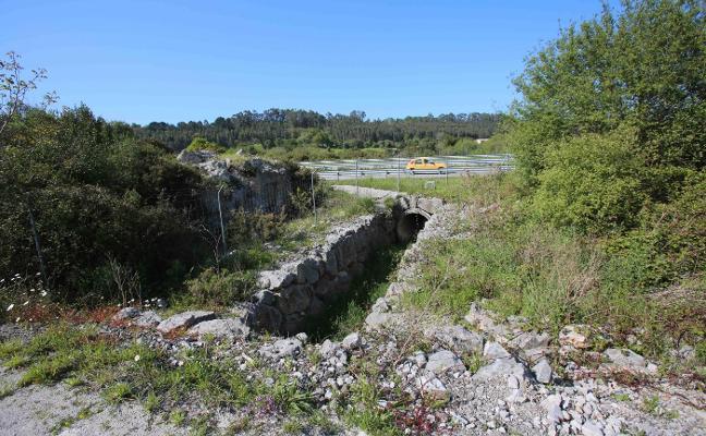 Carreteras mejorará el drenaje de la A-8 a su paso por San Roque del Acebal