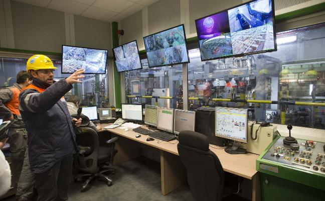 Arcelor advierte de que el tren de chapa «está en riesgo inminente de cierre»