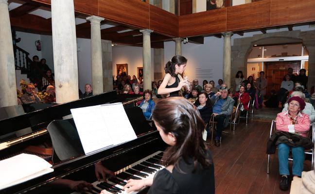 El Museo Jovellanos reabre con concierto